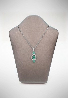 Crivelli necklace with diamonds and emerald CRV4119