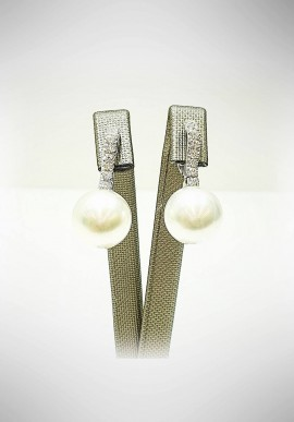 Crivelli white gold earrings with diamonds and pearls CRV6015