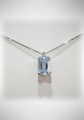 Donnaoro white gold necklace with diamonds and aquamarine DNO22