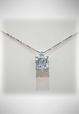 Donnaoro white gold necklace with diamonds and aquamarine DNA24