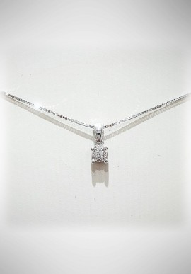 Donnaoro white gold necklace with diamonds DNO32