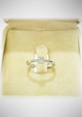 Donnaoro white gold ring with diamonds DNO38