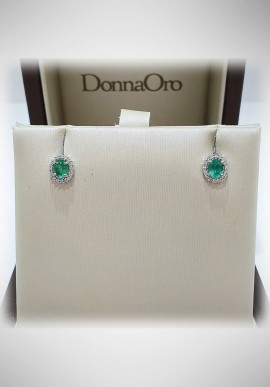 Donnaoro white gold earrings with diamonds and sapphire DNO45