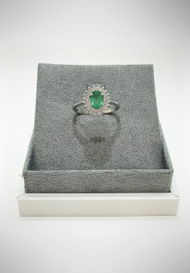 Lunatica white gold ring with diamonds and emerald LNT07