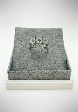 Lunatica white gold ring with diamonds and emerald LNT09