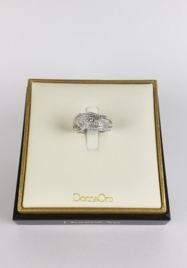 DonnaOro ring with diamonds