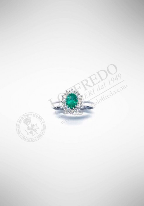 Lenti 18KT white gold ring with diamonds and emerald