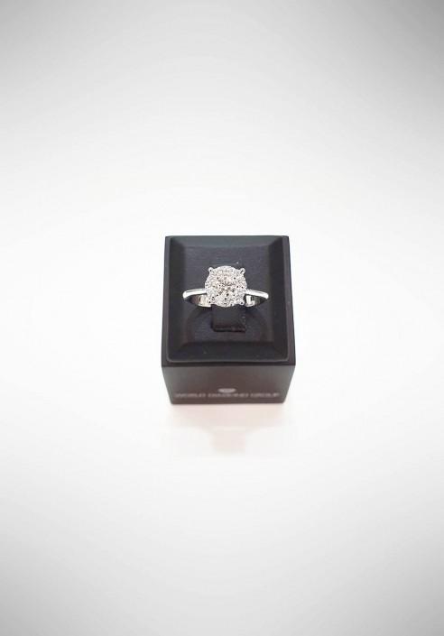 World Diamond Group Ring with diamonds AGICE04